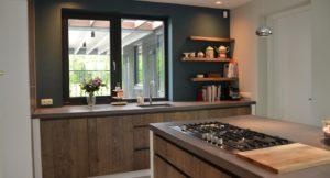 drijvers-oisterwijk-boerderij-villa-keuken-modern-landelijk-hout-interieur-nieuwbouw-licht (1)-min