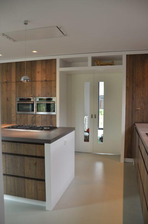 drijvers-oisterwijk-boerderij-villa-keuken-modern-landelijk-hout-interieur-nieuwbouw-licht (14)-min