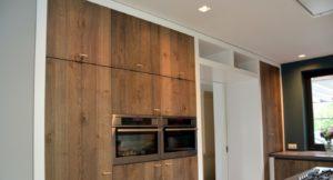 drijvers-oisterwijk-boerderij-villa-keuken-modern-landelijk-hout-interieur-nieuwbouw-licht (2)-min