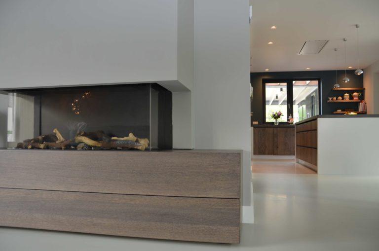 drijvers-oisterwijk-boerderij-villa-openhaard-keuken-modern-landelijk-hout-interieur-nieuwbouw-licht (21)