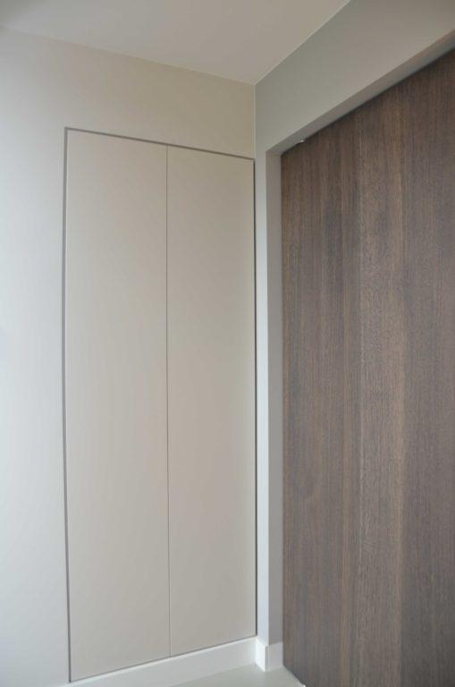drijvers-oisterwijk-boerderij-villa-deur-modern-landelijk-hout-interieur-nieuwbouw-licht (27)