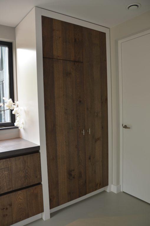drijvers-oisterwijk-boerderij-villa-keuken-modern-landelijk-hout-interieur-nieuwbouw-licht (8)-min