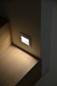 drijvers-oisterwijk-villa-boerderij-contrast-interieur-nieuwbouw-strak-modern-hout-landelijk-staal-deur-bakstenen-metselwerk-ramen-lichtinval-verlichting-wit-zwart (20)