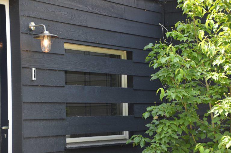 drijvers-oisterwijk-villa-boerderij-modern-landelijk-traditioneel-contrast-wit-stucwerk-bakstenen-hout-gevel-spanten-pui-riet-dakpannen (13)