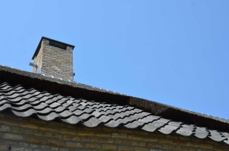 drijvers-oisterwijk-villa-boerderij-modern-landelijk-traditioneel-contrast-wit-stucwerk-bakstenen-hout-gevel-spanten-pui-riet-dakpannen (7)