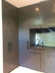 drijvers-oisterwijk-interieur-modern-tapijt-gordijnen-mudroom-grijs (3)