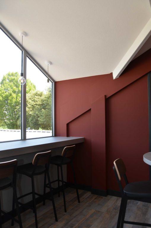 drijvers-oisterwijk-veterinair-centrum-modern-interieur-nieuwbouw-natuur-dieren-verlichting-rood-strak (6)