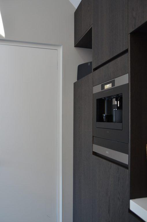 drijvers-oisterwijk-interieur-woonhuis-villa-modern-hout-particulier-zwart-staal-strak (10)