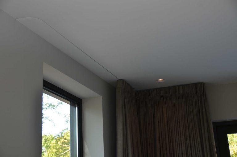 drijvers-oisterwijk-interieur-woonhuis-gordijn-rails-villa-modern-hout-particulier-zwart-staal-strak (12)