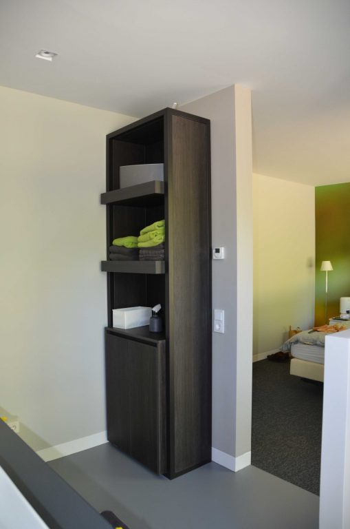 drijvers-oisterwijk-interieur-woonhuis-villa-modern-hout-particulier-zwart-staal-strak (18)