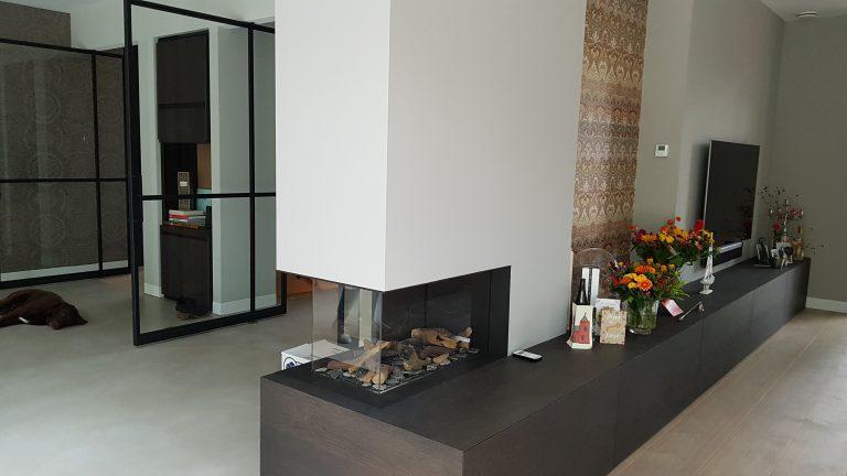 drijvers-oisterwijk-interieur-woonhuis-villa-modern-hout-particulier-zwart-staal-strak (4)