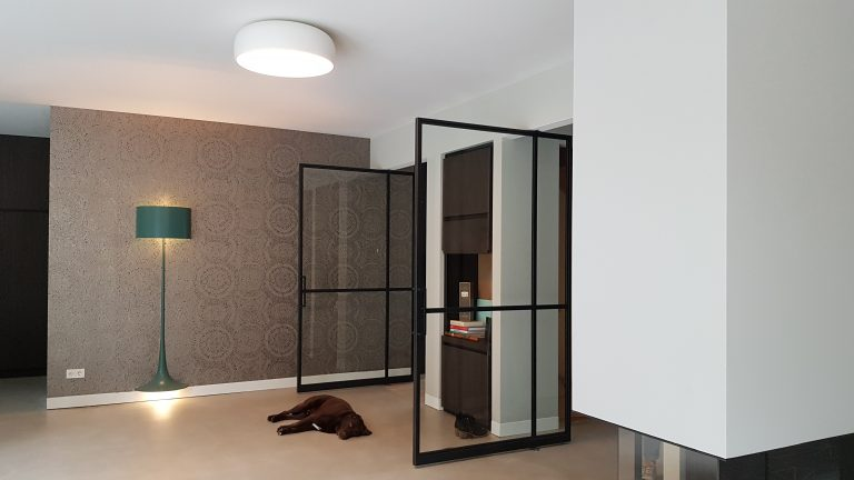 drijvers-oisterwijk-interieur-woonhuis-villa-modern-hout-particulier-zwart-staal-strak (5)