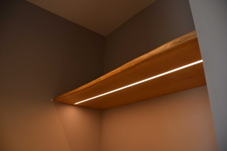drijvers-oisterwijk-interieur-woonhuis-villa-modern-hout-particulier-zwart-staal-strak (6)