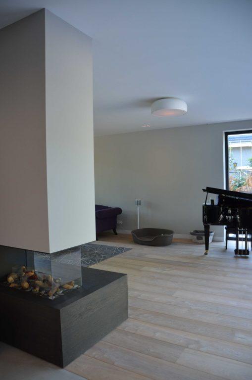 drijvers-oisterwijk-interieur-woonhuis-villa-modern-hout-particulier-zwart-staal-strak (7)