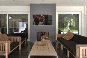 drijvers-oisterwijk-verbouwing-exterieur-dakpannen-hout-wit-stuc-buitenhaard-vijver (10)