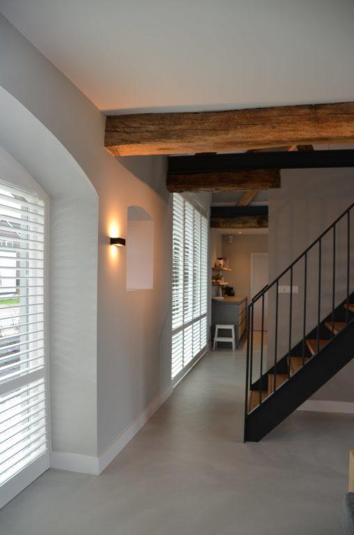 Drijvers-Oisterwijk-interieur-restauratie-modern-landelijk-houten-spant-strak-licht-maatwerk (11)