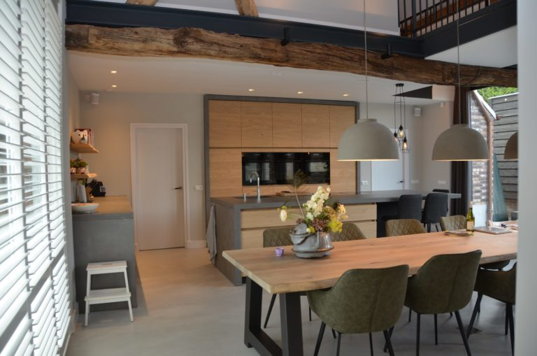 Drijvers-Oisterwijk-interieur-restauratie-modern-landelijk-houten-spant-strak-licht-maatwerk (13)