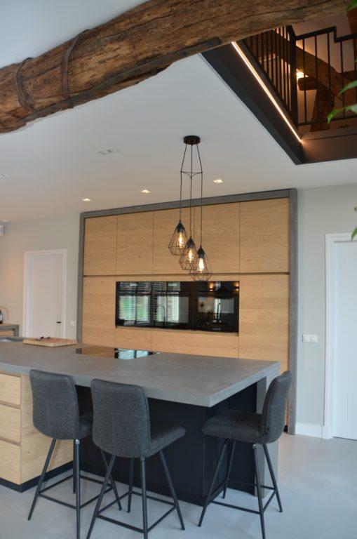 Drijvers-Oisterwijk-interieur-restauratie-modern-landelijk-houten-spant-strak-licht-maatwerk (14)