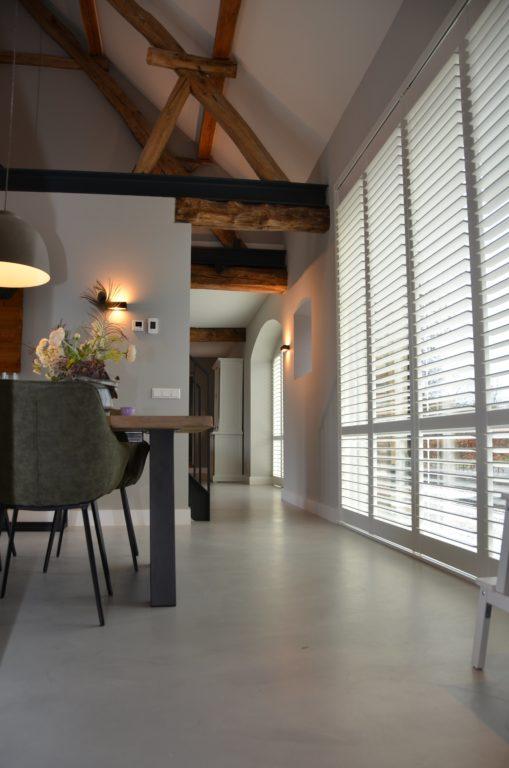 Drijvers-Oisterwijk-interieur-restauratie-modern-landelijk-houten-spant-strak-licht-maatwerk (17)
