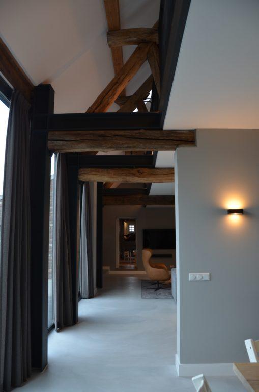 Drijvers-Oisterwijk-interieur-restauratie-modern-landelijk-houten-spant-strak-licht-maatwerk (2)