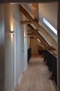 Drijvers-Oisterwijk-interieur-restauratie-modern-landelijk-houten-spant-strak-licht-maatwerk (26)