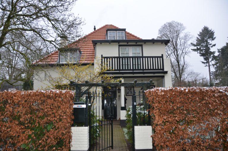 drijvers-oisterwijk-particulier-woonhuis-exterieur-verbouwing-landelijk-hout-dakpannen-pui (2)