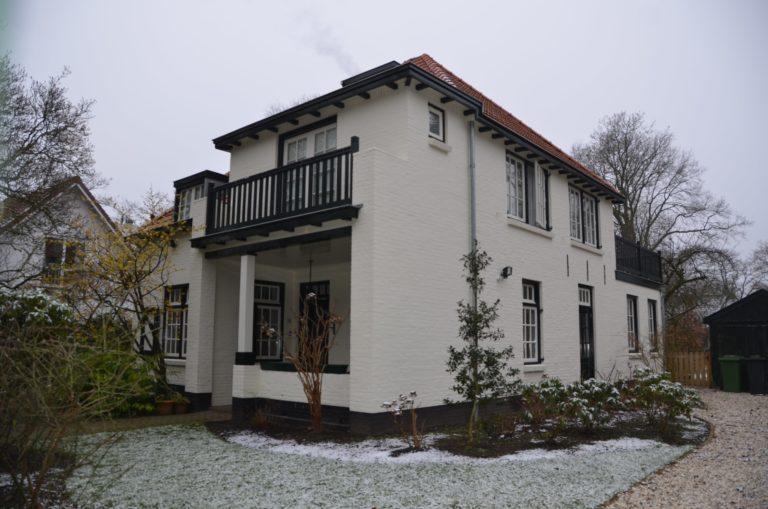 drijvers-oisterwijk-particulier-woonhuis-exterieur-verbouwing-landelijk-hout-dakpannen-pui (3)