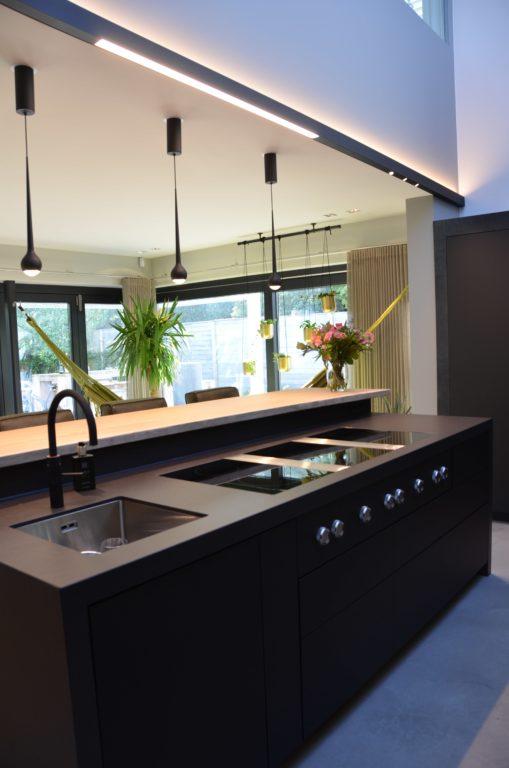drijvers-oisterwijk-woonvilla-verbouwing-interieur-leer-keuken-eetkamer-zitkamer (1)