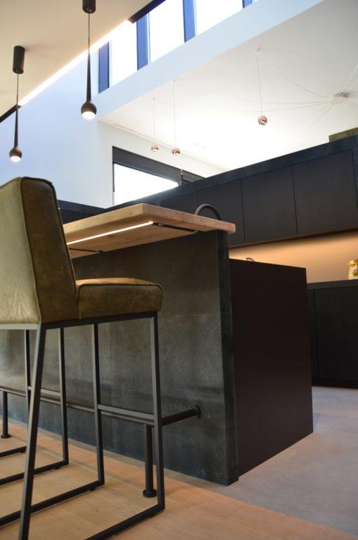 drijvers-oisterwijk-woonvilla-verbouwing-interieur-leer-keuken-eetkamer-zitkamer (26)