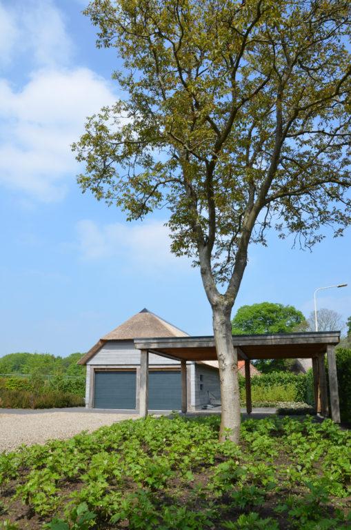 drijvers-oisterwijk-nieuwbouw-villa-riet-hout-bakstenen-exterieur-particulier (16)