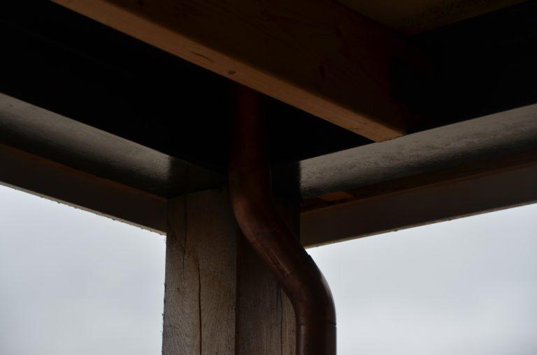 drijvers-oisterwijk-villa-nieuwbouw-exterieur-metselwerk-hout-gevel-riet-kap (13)