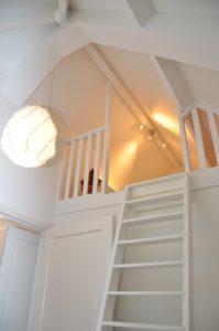 drijvers-oisterwijk-nieuwbouw-villa-interieur-landelijk-modern-wit-keuken-badkamer-slaapkamer-licht (3)