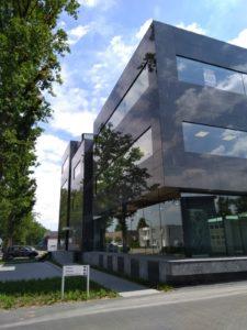 drijvers-oisterwijk-exterieur-utiliteit-nieuwbouw-mutsaerts-oisterwijk-station-natuursteen (2)