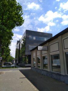 drijvers-oisterwijk-exterieur-utiliteit-nieuwbouw-mutsaerts-oisterwijk-station-natuursteen (3)