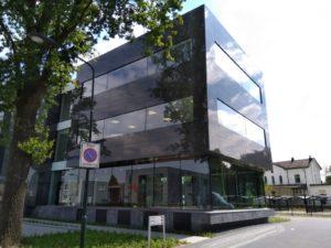 drijvers-oisterwijk-exterieur-utiliteit-nieuwbouw-mutsaerts-oisterwijk-station-natuursteen (5)