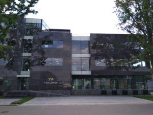 drijvers-oisterwijk-exterieur-utiliteit-nieuwbouw-mutsaerts-oisterwijk-station-natuursteen (6)
