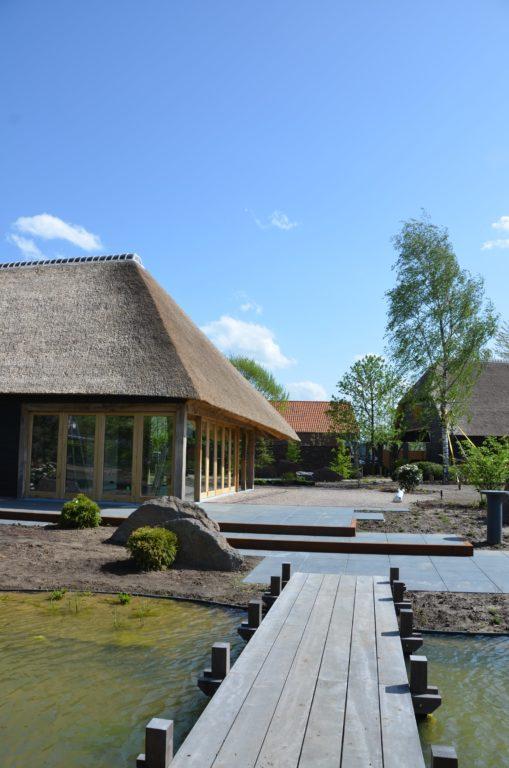 drijvers-oisterwijk-exterieur-nieuwbouw-villa-boerderij-particulier-riet-kap-hout-metselwerk-theehuis-bed-en-breakfast-stal-hout-spant (10)