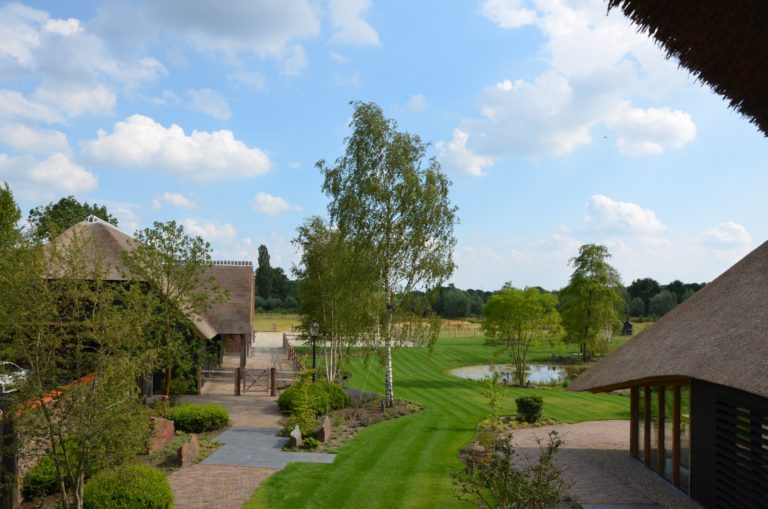 drijvers-oisterwijk-exterieur-nieuwbouw-villa-boerderij-particulier-riet-kap-hout-metselwerk-theehuis-bed-en-breakfast-stal-hout-spant (28)