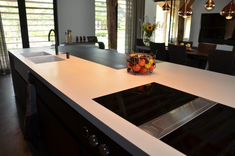 drijvers-oisterwijk-interieur-particulier-nieuwbouw-villa-boerderij-modern-landelijk-hout-spant-kookeiland-keuken (15)