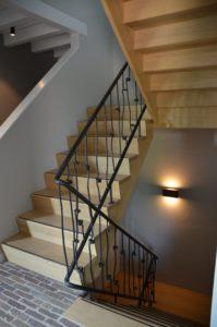 drijvers-oisterwijk-interieur-particulier-nieuwbouw-villa-boerderij-modern-landelijk-hout-spant-trap-leuning (21)