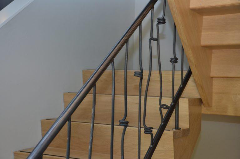 drijvers-oisterwijk-interieur-particulier-nieuwbouw-villa-boerderij-modern-landelijk-hout-spant-trap-leuning (22)