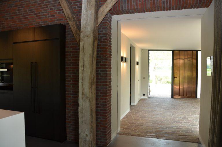 drijvers-oisterwijk-interieur-particulier-nieuwbouw-villa-boerderij-modern-landelijk-hout-spant (8)