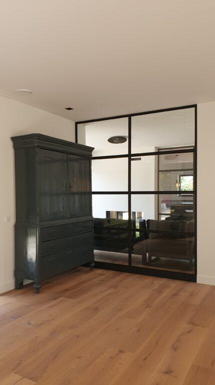 drijvers-oisterwijk-interieur-nieuwbouw-villa-zwarte-kozijnen-modern (10)