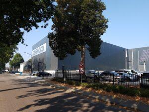 drijvers-oisterwijk-nieuwbouw-hal-troboco-bedrijfshal-oplevering-rechtsvoor-straat