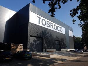drijvers-oisterwijk-nieuwbouw-hal-troboco-bedrijfshal-oplevering-voorgevel-linksvoor