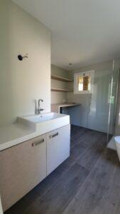 drijvers-oisterwijk-verbouwing-interieur-details-hout-front-strak-modern-particulier-badkamer-keuken-armaturen (15)