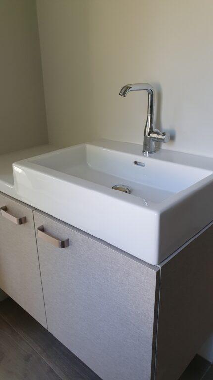 drijvers-oisterwijk-verbouwing-interieur-details-hout-front-strak-modern-particulier-badkamer-keuken-armaturen (16)