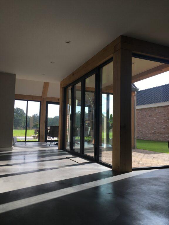 drijvers-oisterwijk-nieuwbouw-exterieur-woning-particulier-baksteen-dakpannen-hout-puien (1)
