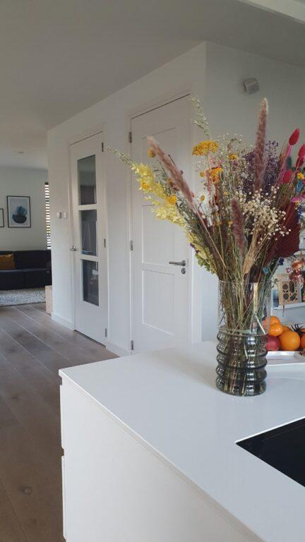 drijvers-oisterwijk-nieuwbouw-woonhuis-interieur-modern-hout-licht (1)