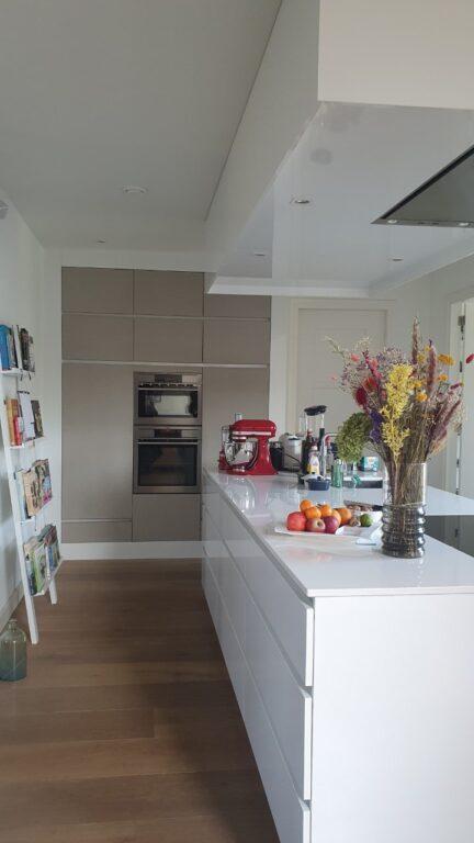 drijvers-oisterwijk-nieuwbouw-woonhuis-interieur-modern-hout-licht (2)